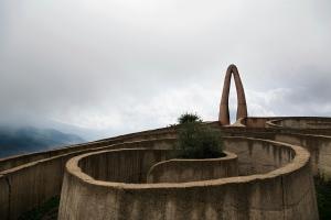 Ariadnes labyrint: dalens begynnelse, symboliserer fødsel. Her inne kan man møte okser som har gått seg vill. Foto:Paulina Cervenka