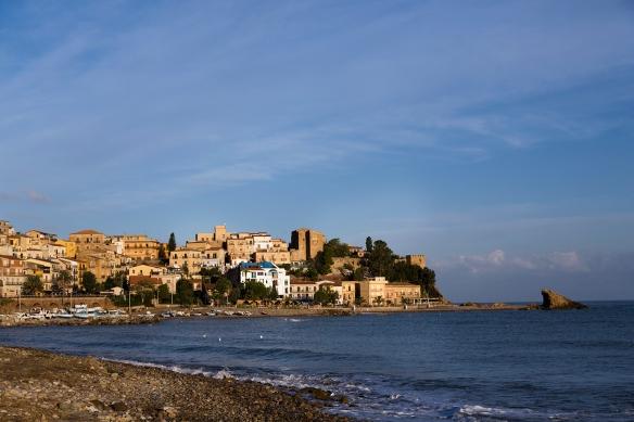 Landsbyen Castel di Tusa, med hotellet Atelier sul Mare. Foto: Paulina Cervenka