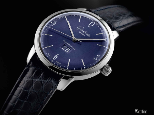 Glashutte_Original_Sixties_PanoDate_front_LG